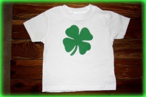 2 Free Shamrock Appliques For St.Patrick's Day & Let's Sew Craft Linky