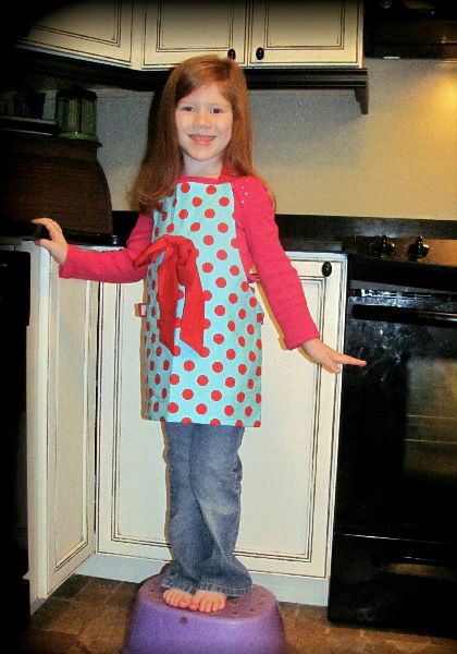Full apron sewing pattern by Whimsy Couture